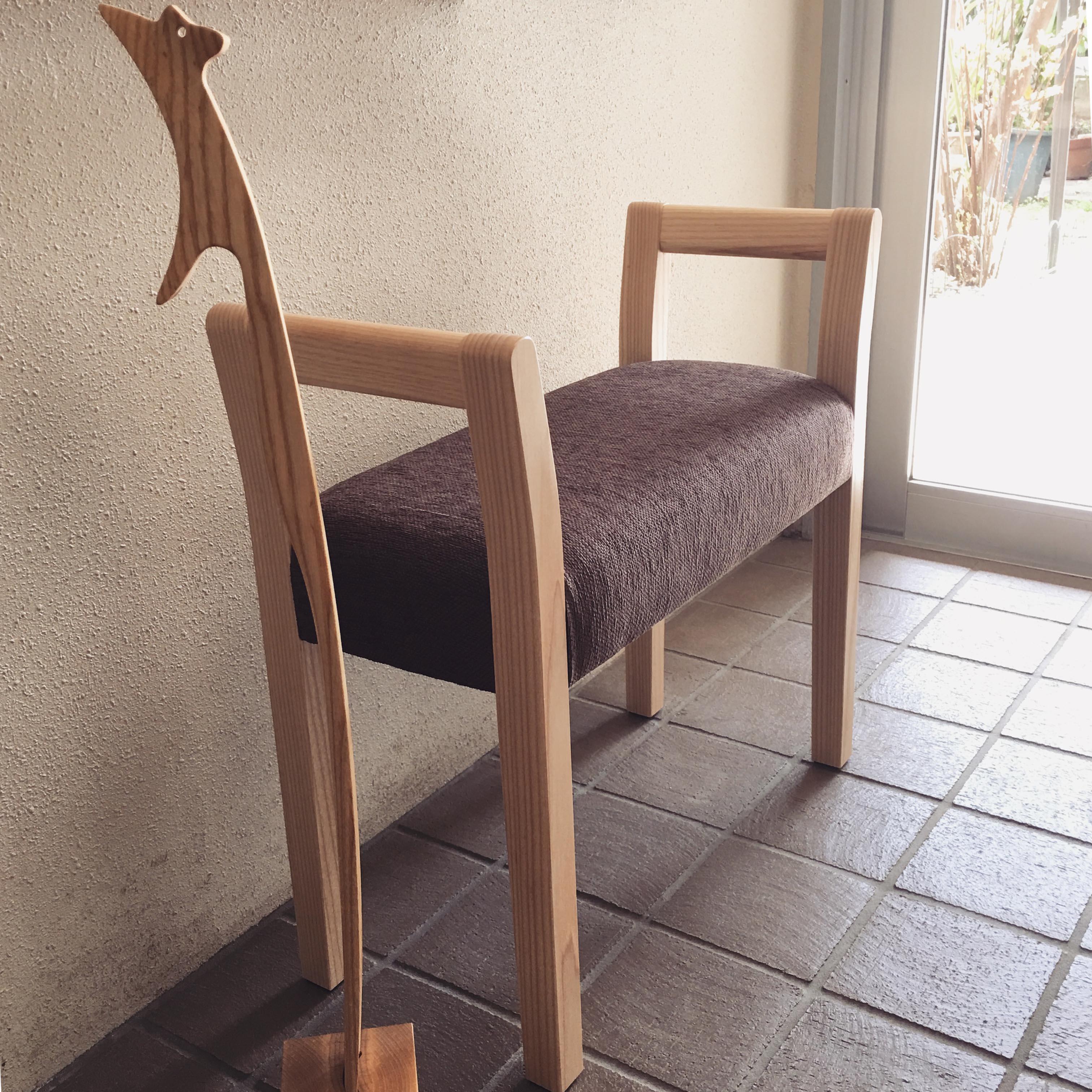 優しい椅子 (おじいちゃんの玄関スツール)