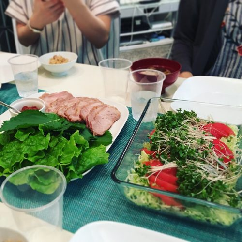 食卓の写真