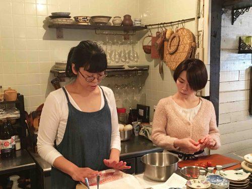 【 6月16日 季節のお料理教室 】『季節を彩る特製パクチーソース。ビールとロゼワイン誘う初夏の宴』開催いたします!