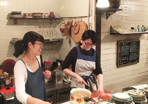(満席御礼)【 8月31日 季節のお料理教室 】『華やかに香るスパイス&ビール!さそう自家製「モホソース」で、夏の宴を』