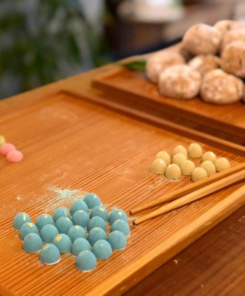食藍を使った干菓子