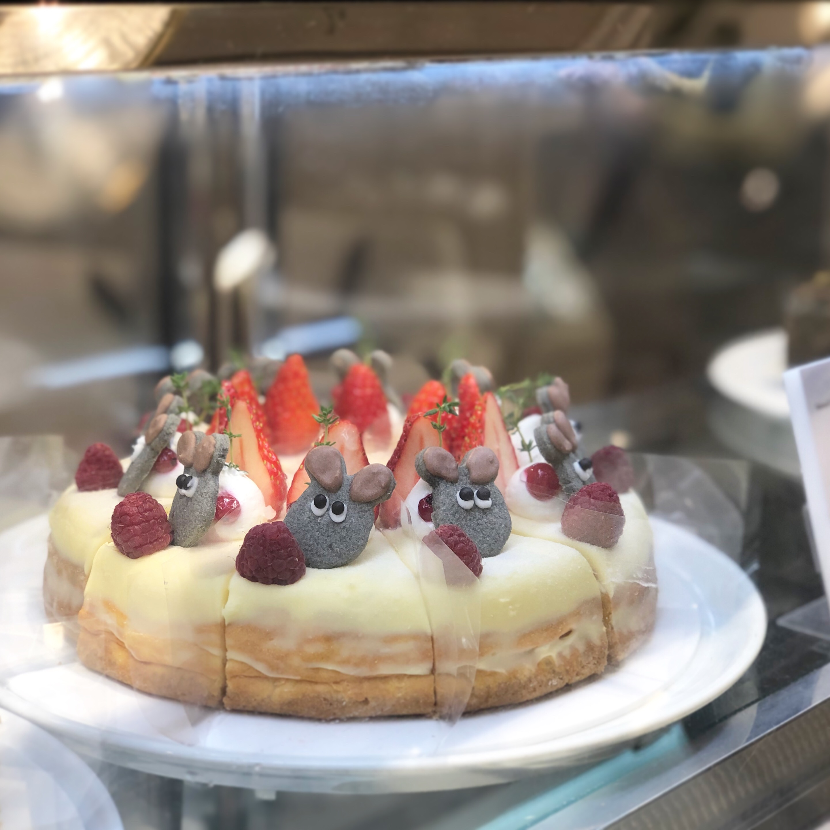 テイクアウトもできるフレデリックのケーキ!